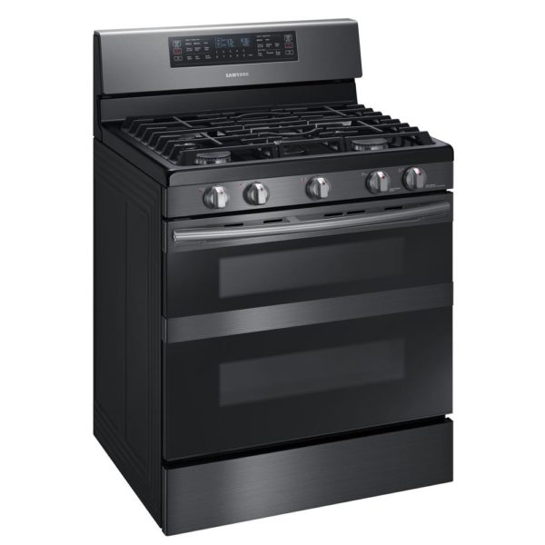 SAMSUNG 30 in. 5.8 cu. ft. Gas Range with Self-Cleaning and Dual Convection in Fingerprint Resistant Black Stainless