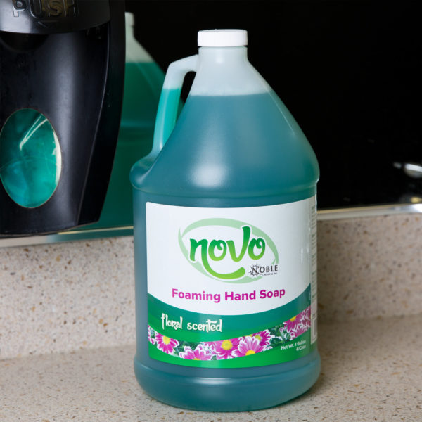 Noble Chemical Novo 1 Gallon / 128 oz. Foaming Hand Soap